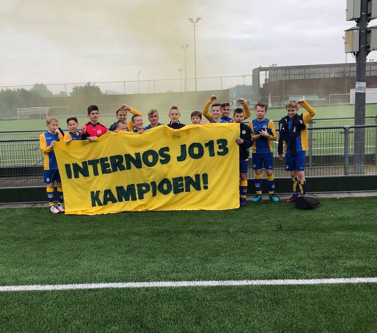 Internos JO13-1 ongeslagen kampioen